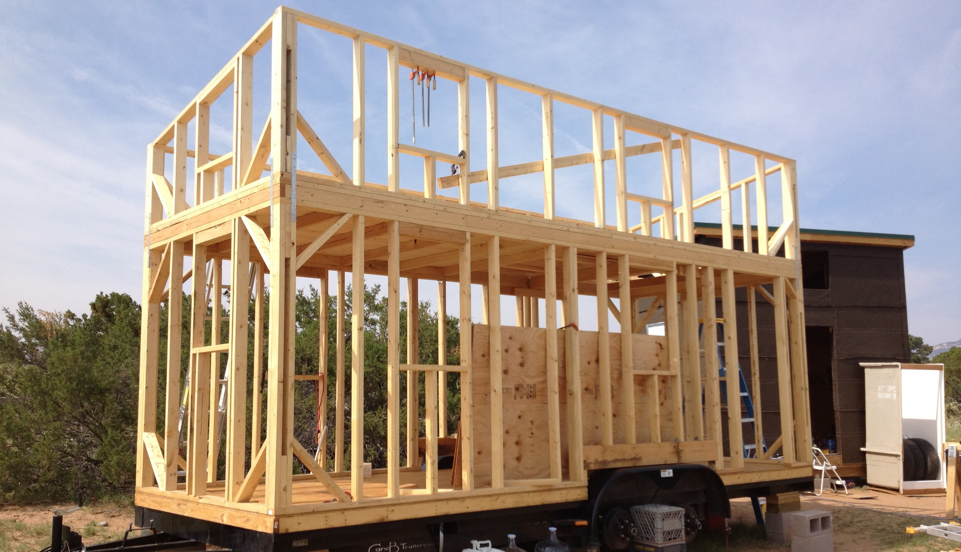 Tiny house construction follow along with this tiny house for Construction house plans