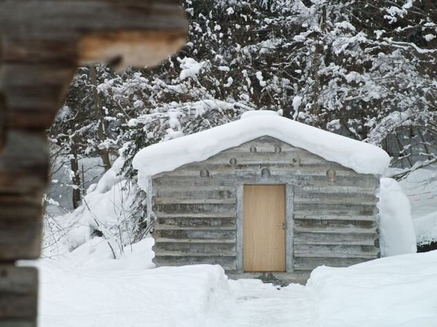 Swiss Alpine Cabin by Georg Nikisch and Selina Walder - Humble Homes