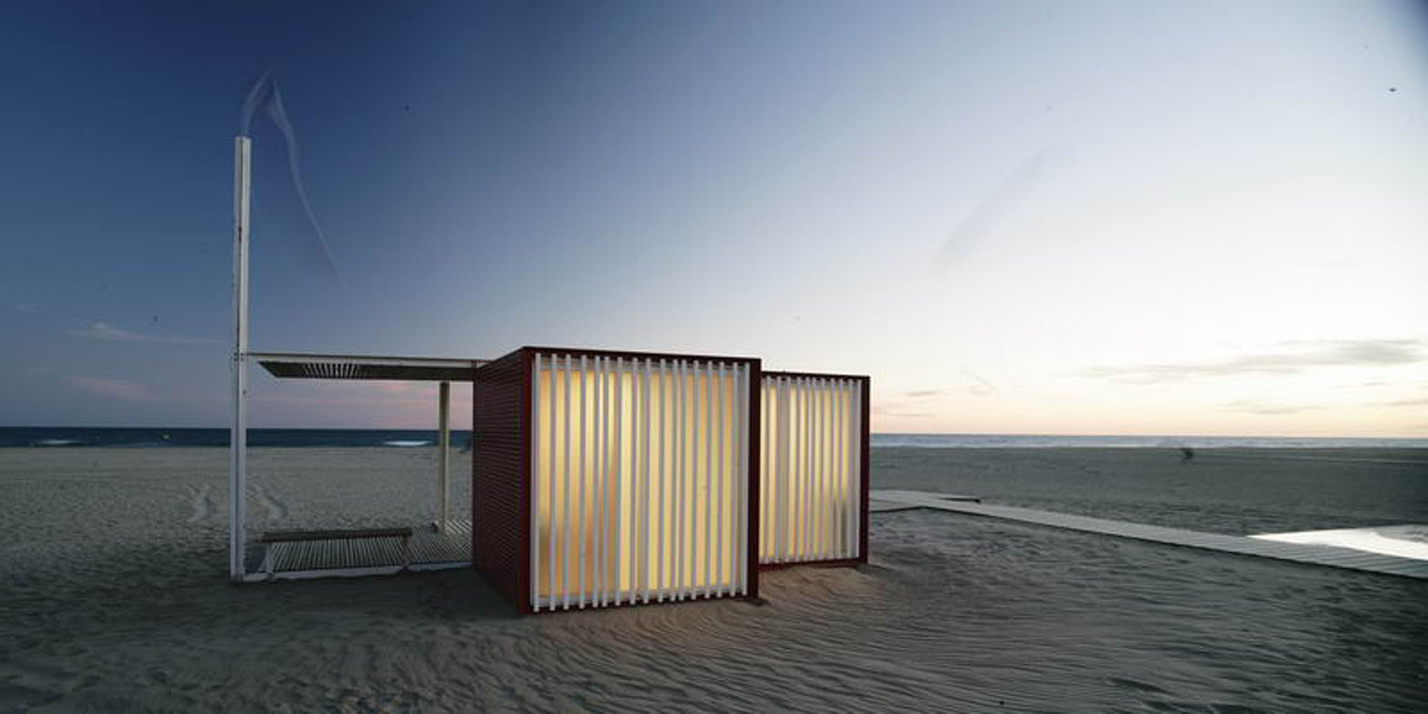 Beach Modules - Màrius Quintana Creus - Humble Homes