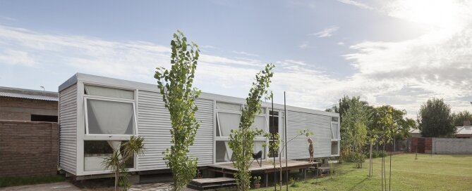 Mía House - Matias Pons Estel - Argentina - Small House - Exterior - Humble Homes