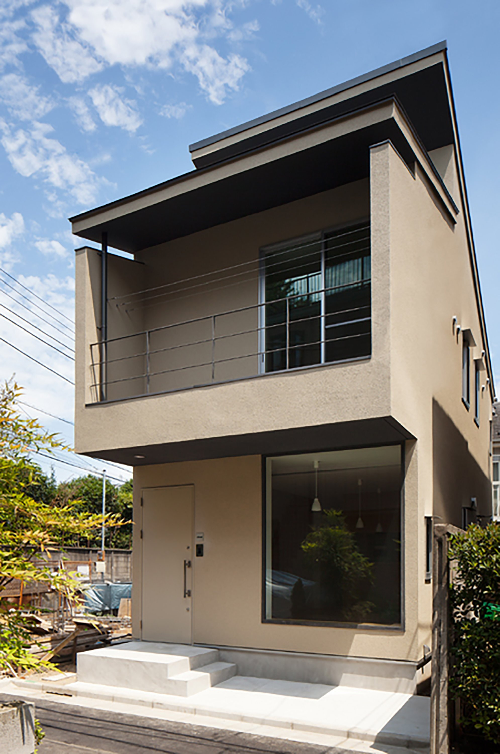 Nakano fireproof wooden house by masashi ogihara for Exterior design of small houses