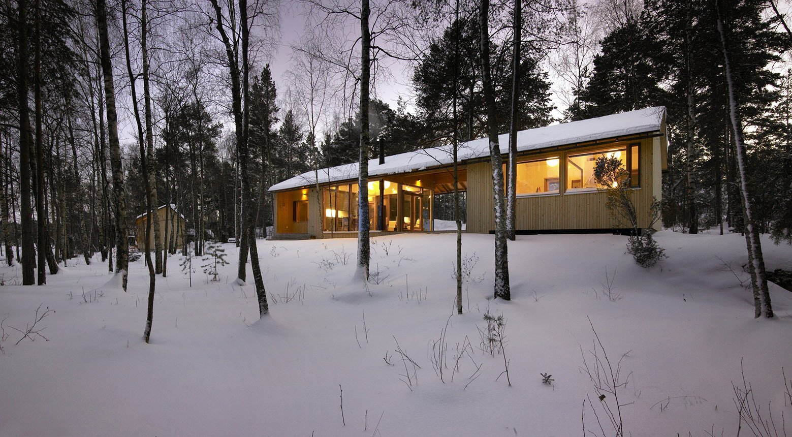 K2s architect 39 s contemporary island cabin for Dogtrot modular homes
