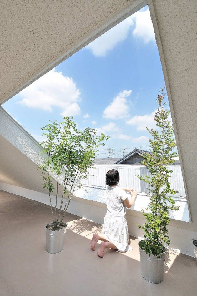 montblanc house in japan contains a rooftop terrace