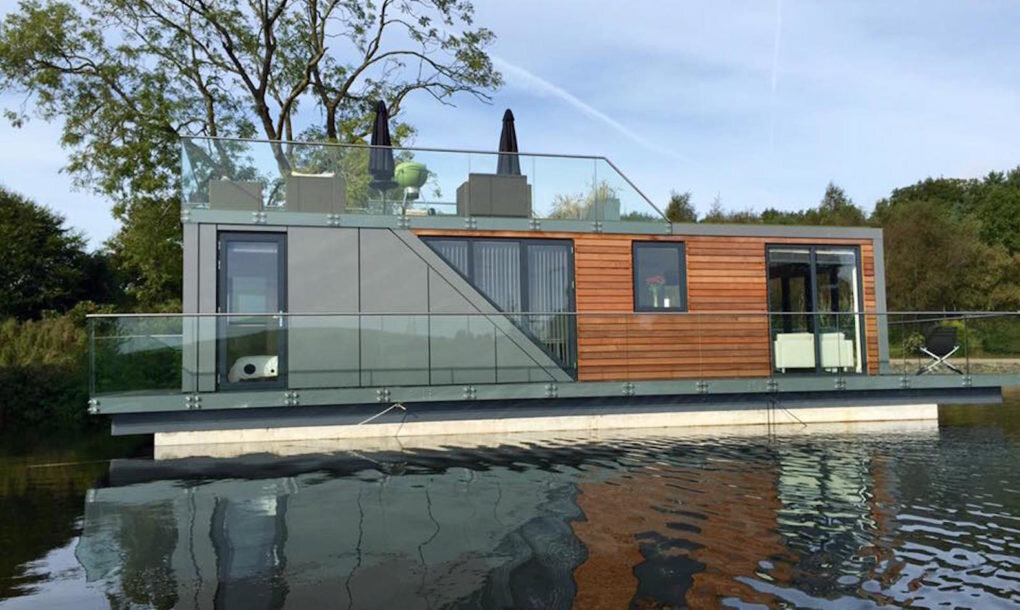 A Tiny Modern Floating Cabin Powered By Photovoltaic S