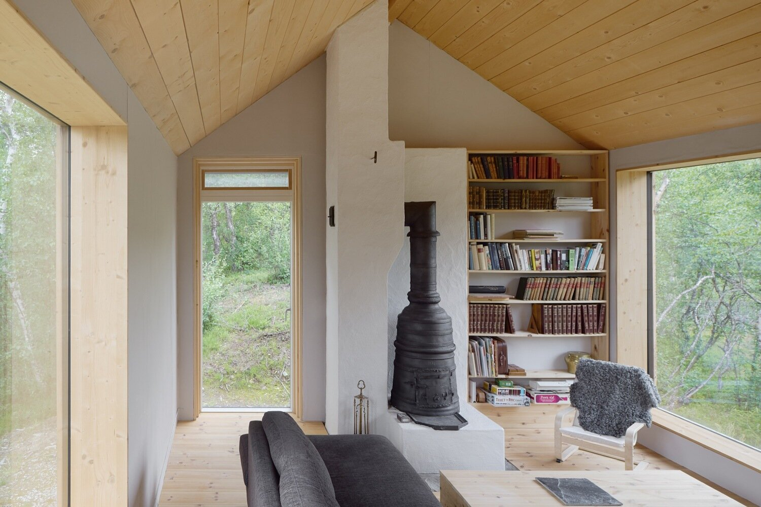 Ljungdalen-Lowén-Widman-Arkitekter-Sweden-Living-Room-Humble-Homes