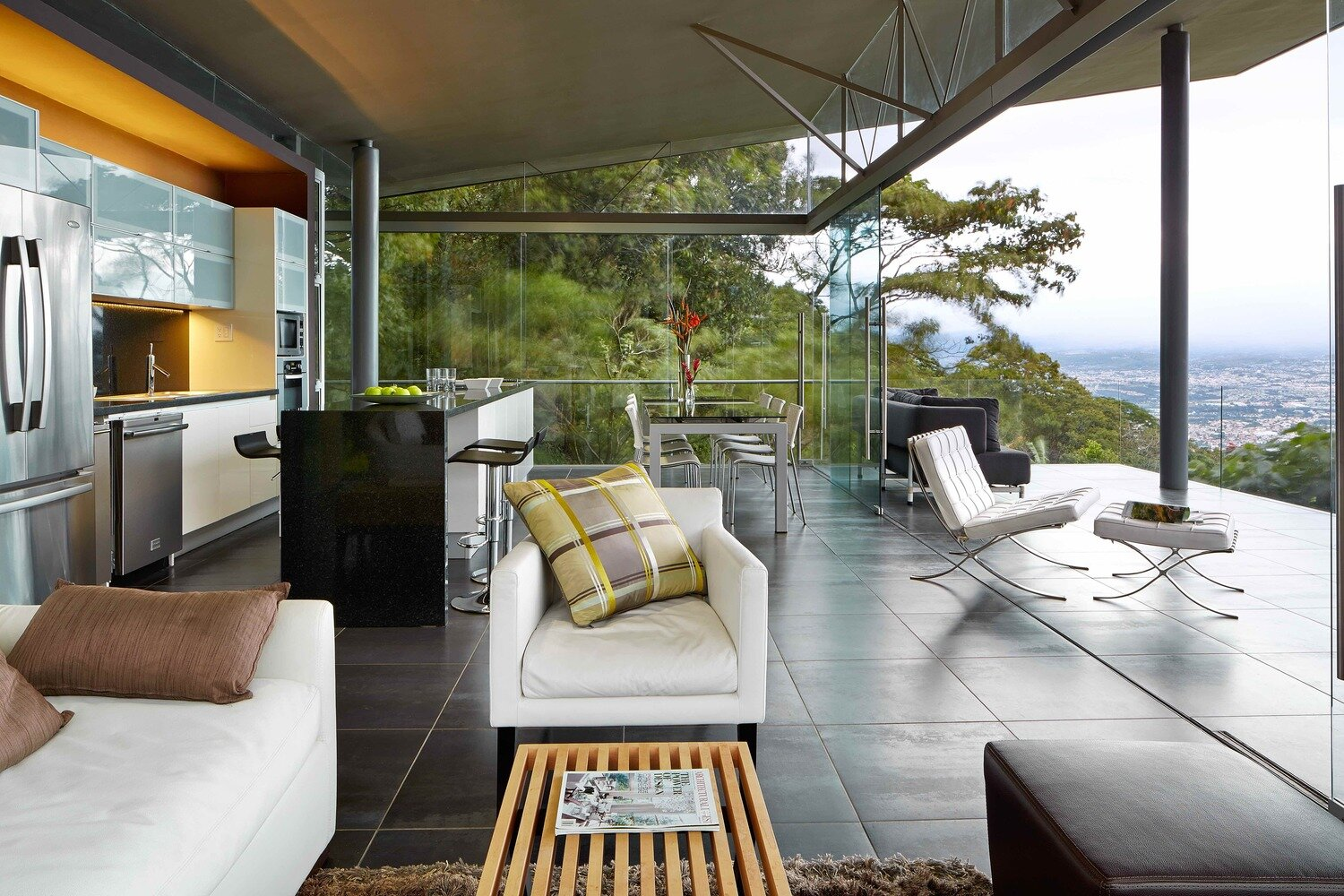 Room-and-Ficus-Cañas-Arquitectos-Costa-Rica-Living-Area-Humble-Homes