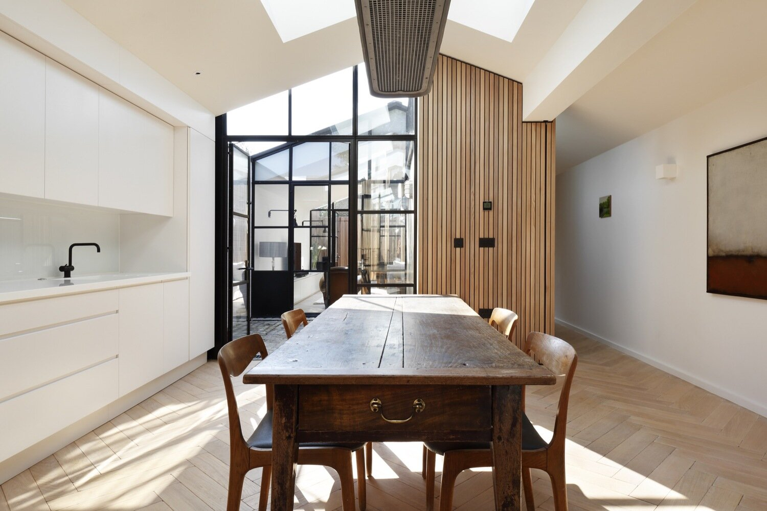 The-Courtyard-House-De-Rosee-Sa-United-Kingdom-Kitchen-Humble-Homes