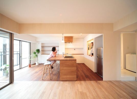 Camp Design Transform a Kobe Apartment to Create Flexible Living Spaces