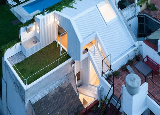PH Lavalleja Makes the Most of a Small Plot in Buenos Aires