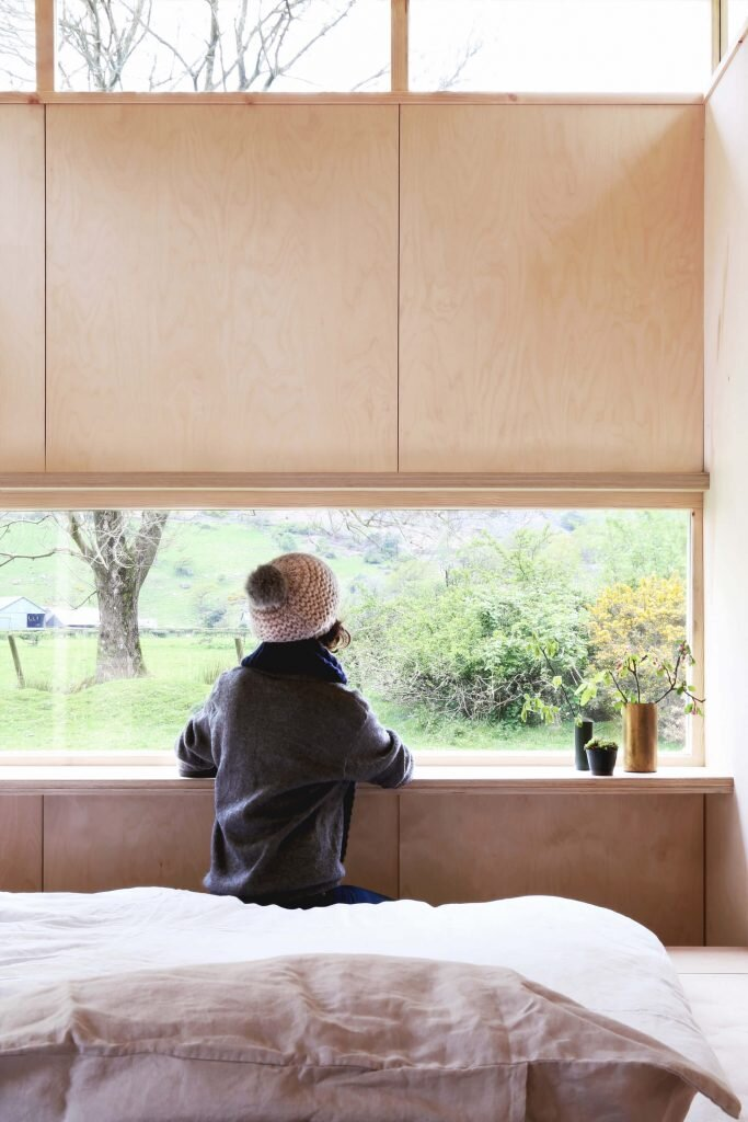Slate-Cabin-TRIAS-Studio-United-Kingdom-2-Humble-Homes
