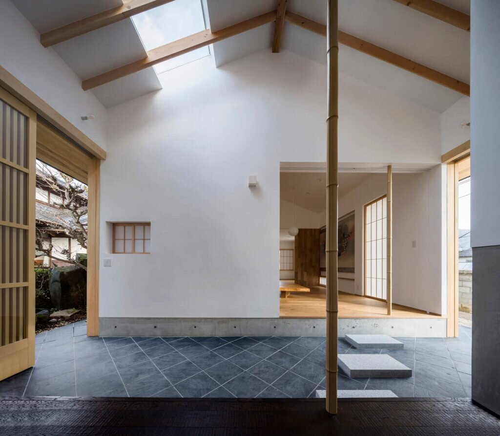 Weekend House in Kumano Mixes Traditional And Modern Japanese Design