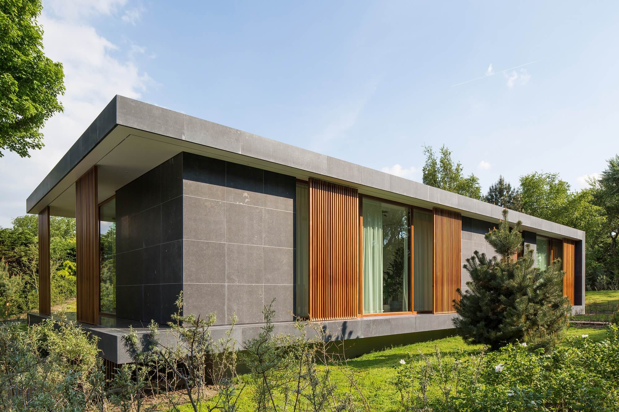 Villa h a contemporary home by berg klein from the for Modern irish house architecture
