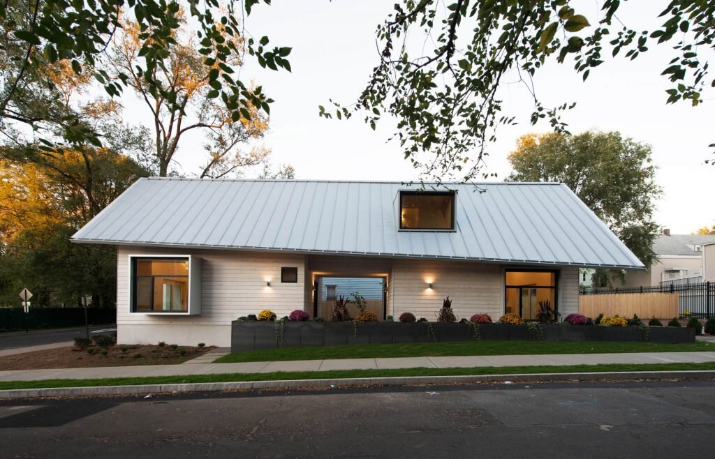 House-on-Adeline-Street-Yale-School-of-Architecture-United-States-0-Humble-Homes