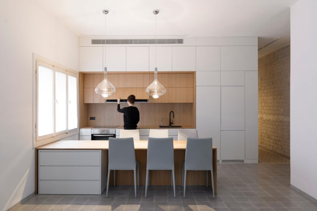 Long-and-Slender-XS-Studio-for-compact-design-Israel-0-Humble-Homes