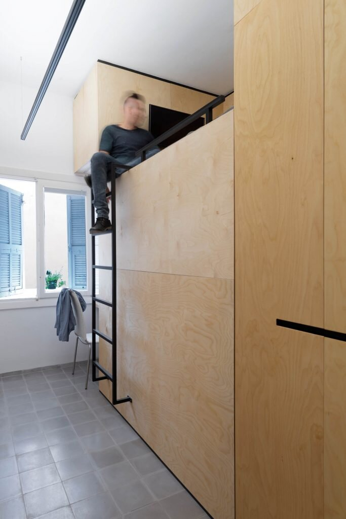 Long-and-Slender-XS-Studio-for-compact-design-Israel-4-Humble-Homes