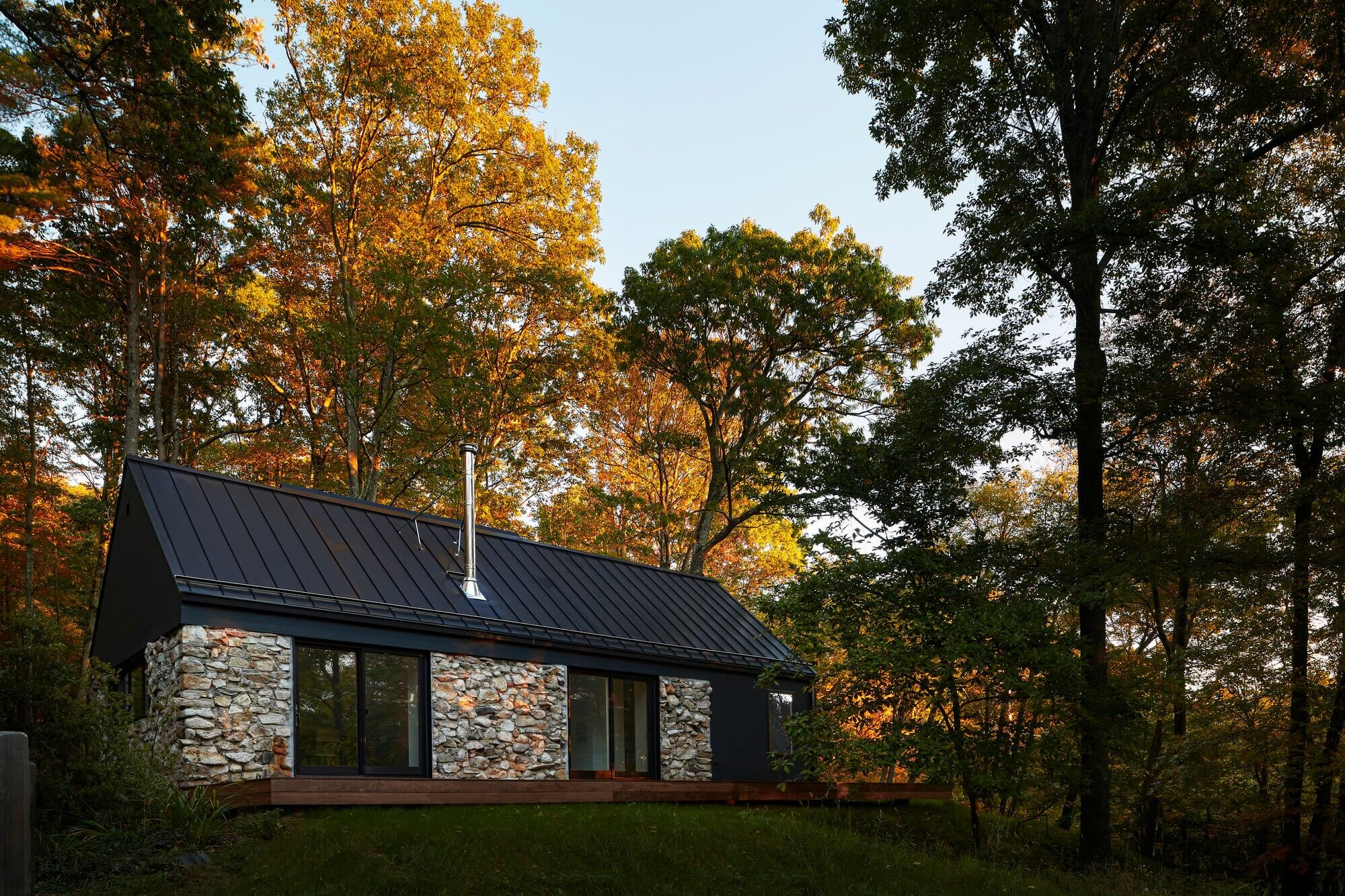 Old stone house in hudson valley breathes new life into an for Stone built homes