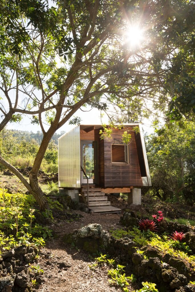 Outside-House-FLOAT-Architectural-Research-and-Design-United-States-4-Humble-Homes