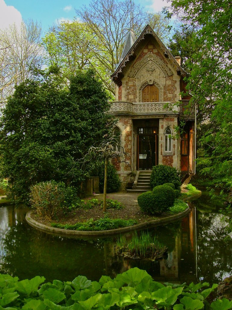 5 Tiny House Designs 2019 Plan Designs Around The World: Huge House, Tiny Castle