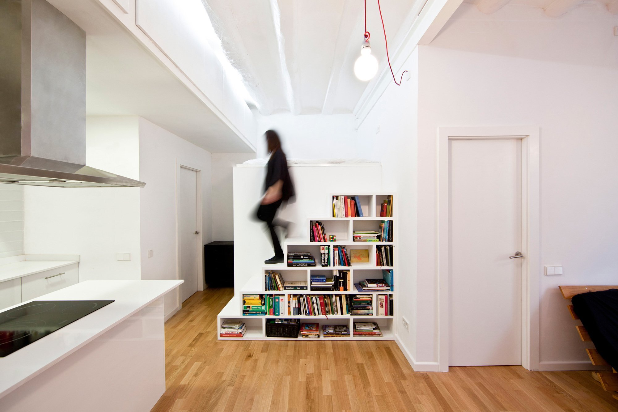A 430 Square Foot Apartment Isnt Quite On The Micro Home Scale But Its Also Not Huge Amount Of Space For Say