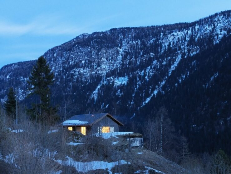 Swiss Army Building Converted into Small Chalet by Ralph Germann