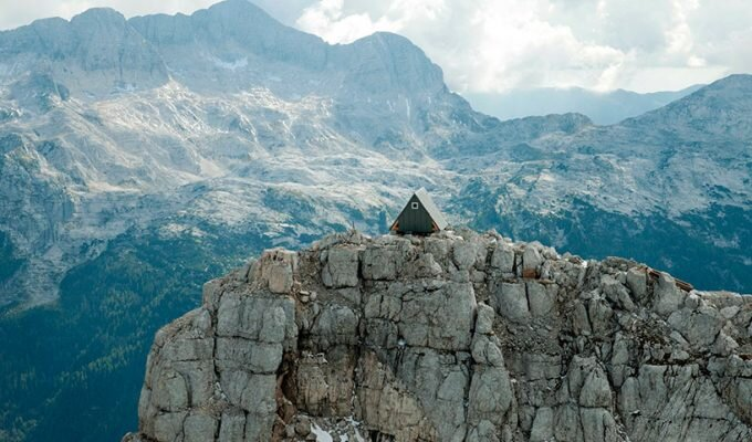 Cabin on Foronon Buinz in the Julian Alps by Giovanni Pesamosca - Humble Homes