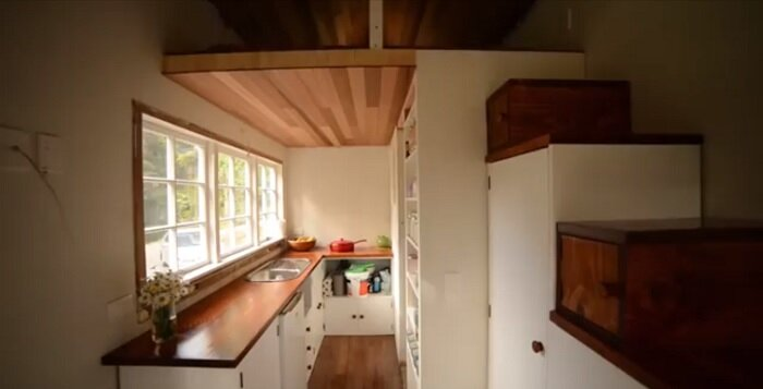 Shaye tom 39 s tiny house nearly completed video for How much does it cost to build a carriage house