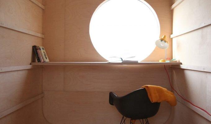 Construction Trailer Conversion - Karel Verstraet - Tiny Space - Interior High Desk - Humble Homes