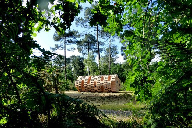 Rock & Roll - A Cylindrical Sleeping Pod for Hikers