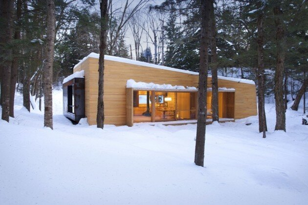 La Luge House by YH2 Architects - Quebec Canada - Winter Cabin - Humble Homes