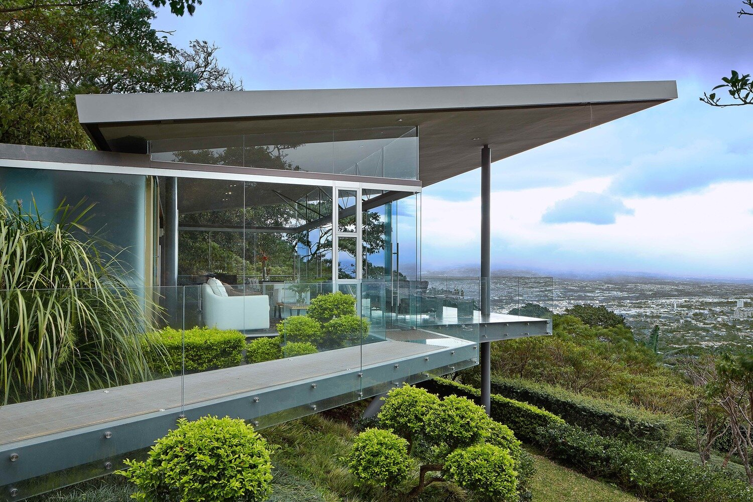 Room-and-Ficus-Cañas-Arquitectos-Costa-Rica-Exterior-Humble-Homes