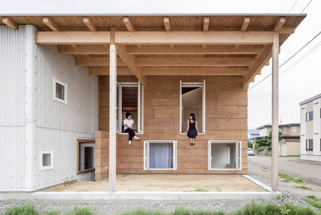 Roof-and-Rectangular-House-Jun-Igarashi-Architects-Japan-0-Humble-Homes