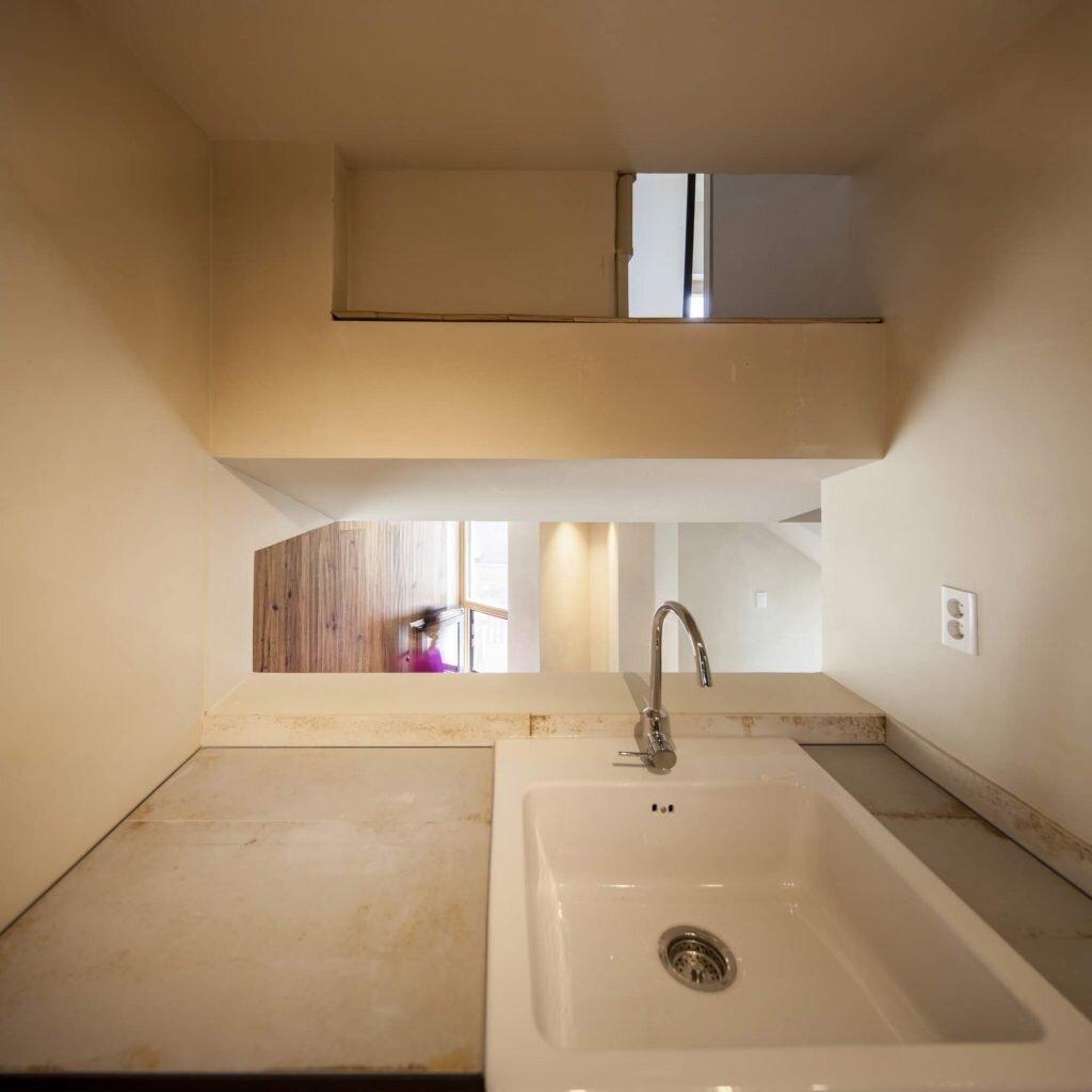 Crevice-House-ThEPlus-Architects-South-Korea-16-Humble-Homes
