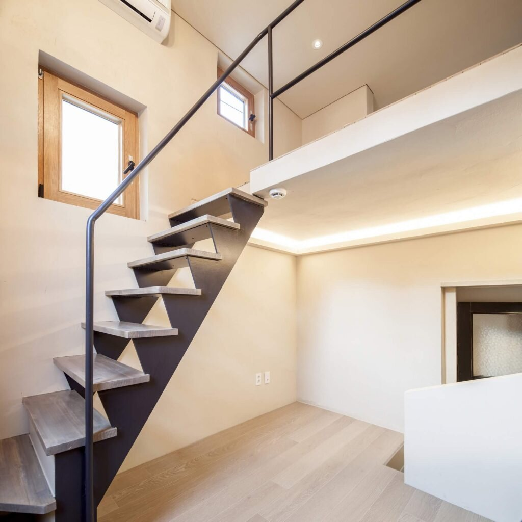Crevice-House-ThEPlus-Architects-South-Korea-9-Humble-Homes