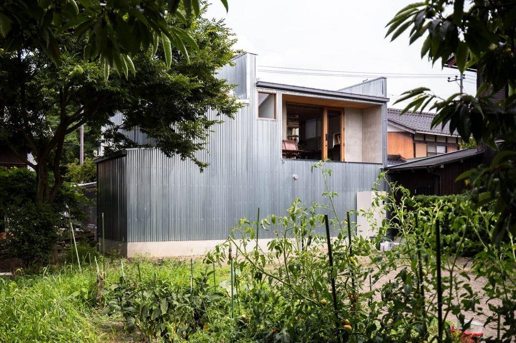 House-for-a-Photographer-FORM-Kouichi-Kimura-Architects-Japan-5-Humble-Homes