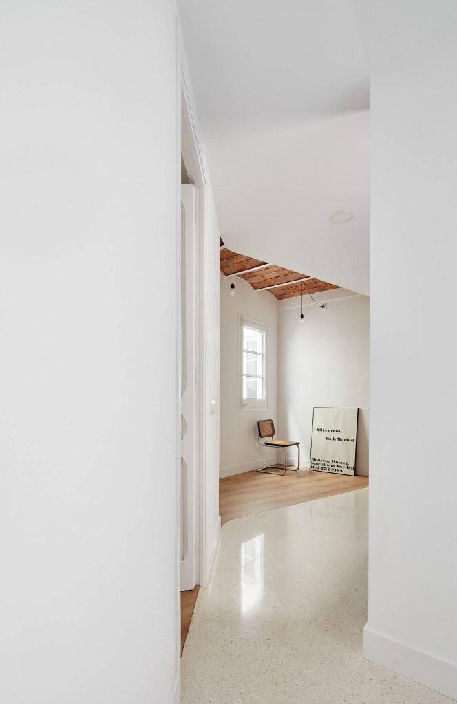 Refurbishment-of-an-Apartment-in-Barcelona-Allaround-Lab-Spain-7-Humble-Homes