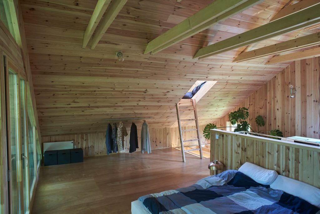 The-Graphic-Designer's-House-Architecture-Uncomfortable-Workshop-Hungary-19-Humble-Home