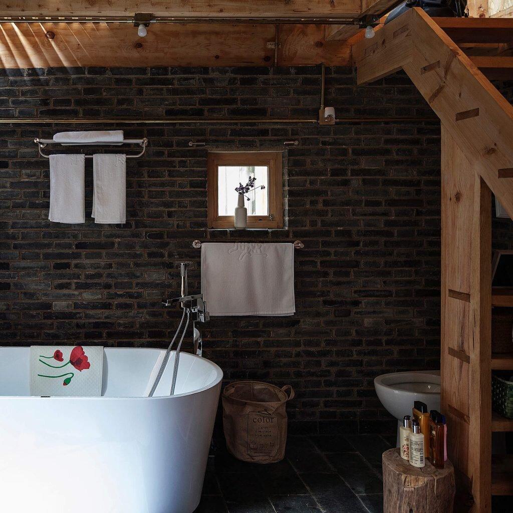 Baisha-Old-Town-Retreat-Atelier-GOM-Atelier8-China-10-Humble-Homes