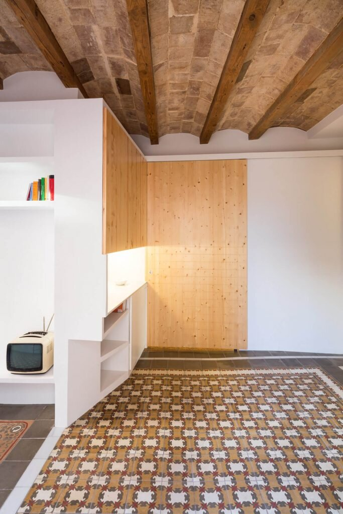 Dos-de-Maig-Apartment-AMOO-Spain-7-Humble-Homes