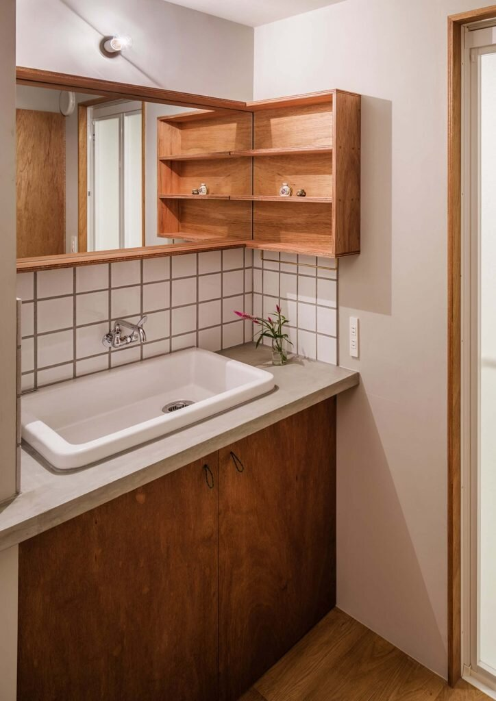 House-in-Chofu-SNARK-Japan-14-Humble-Homes