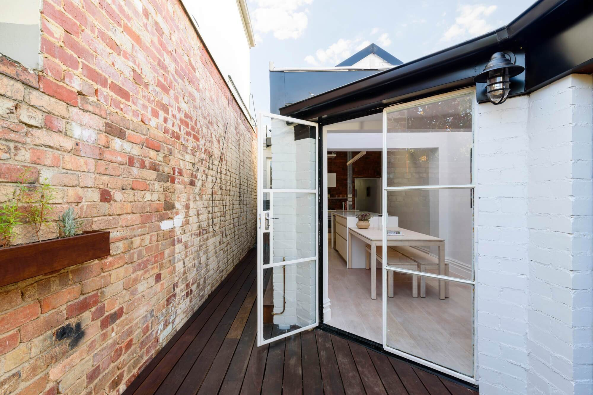 Apparte studio transform a victorian cottage from dull and for Studio australia