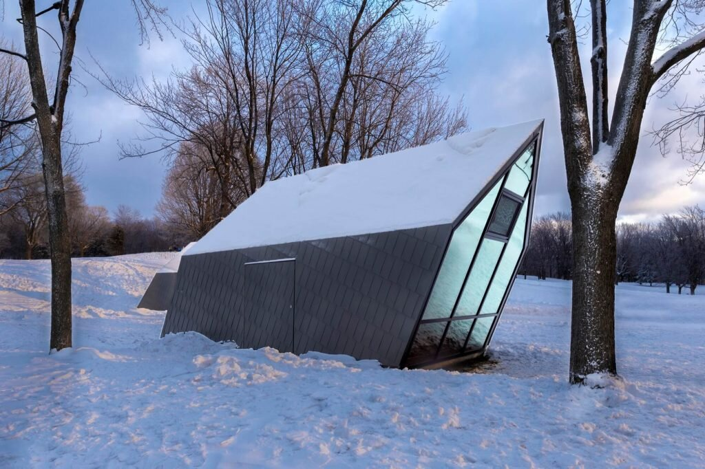 Mount-Atelier-Urban-Face-Canada