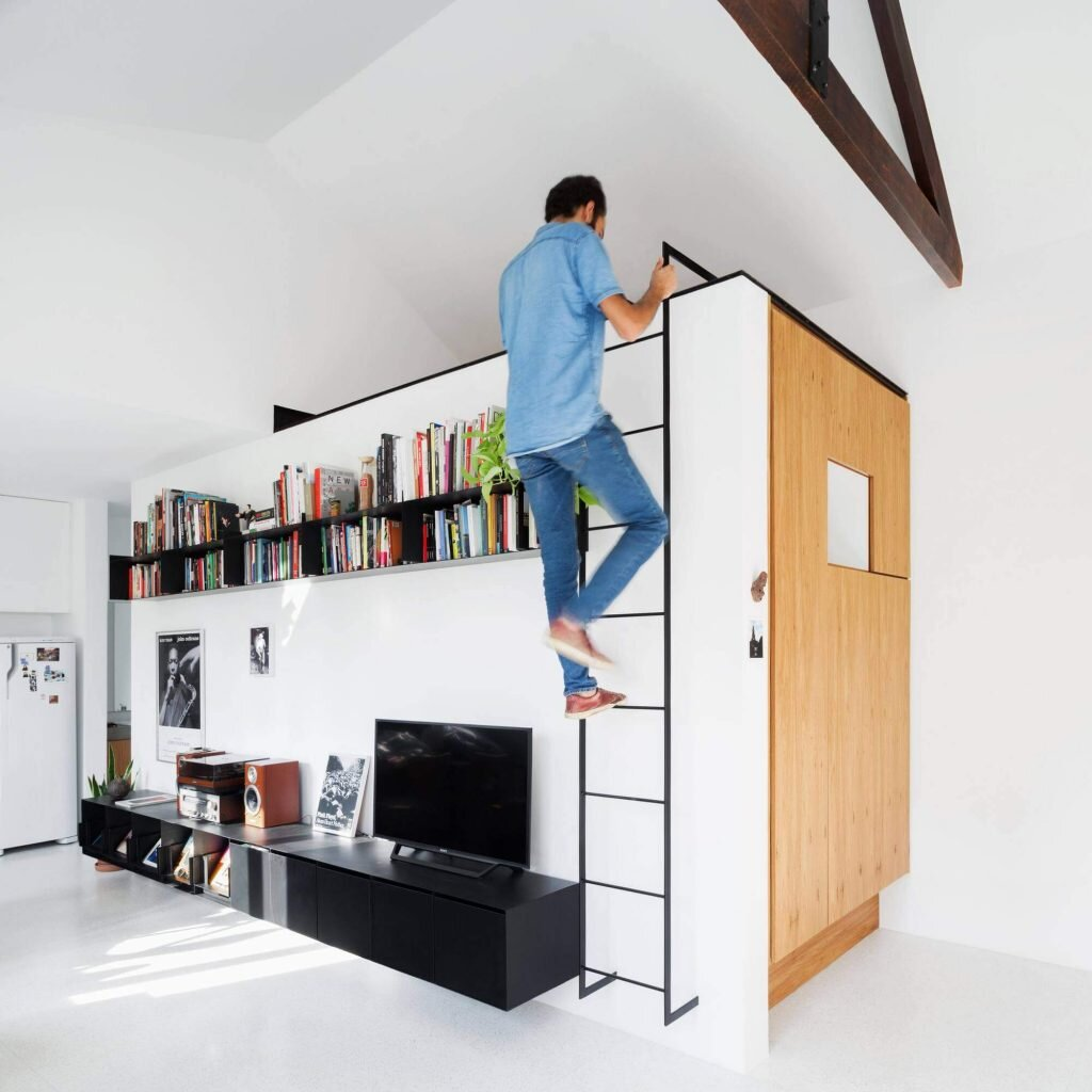 Brazilian Designers Vão Make the Most of this Small Loft Apartment