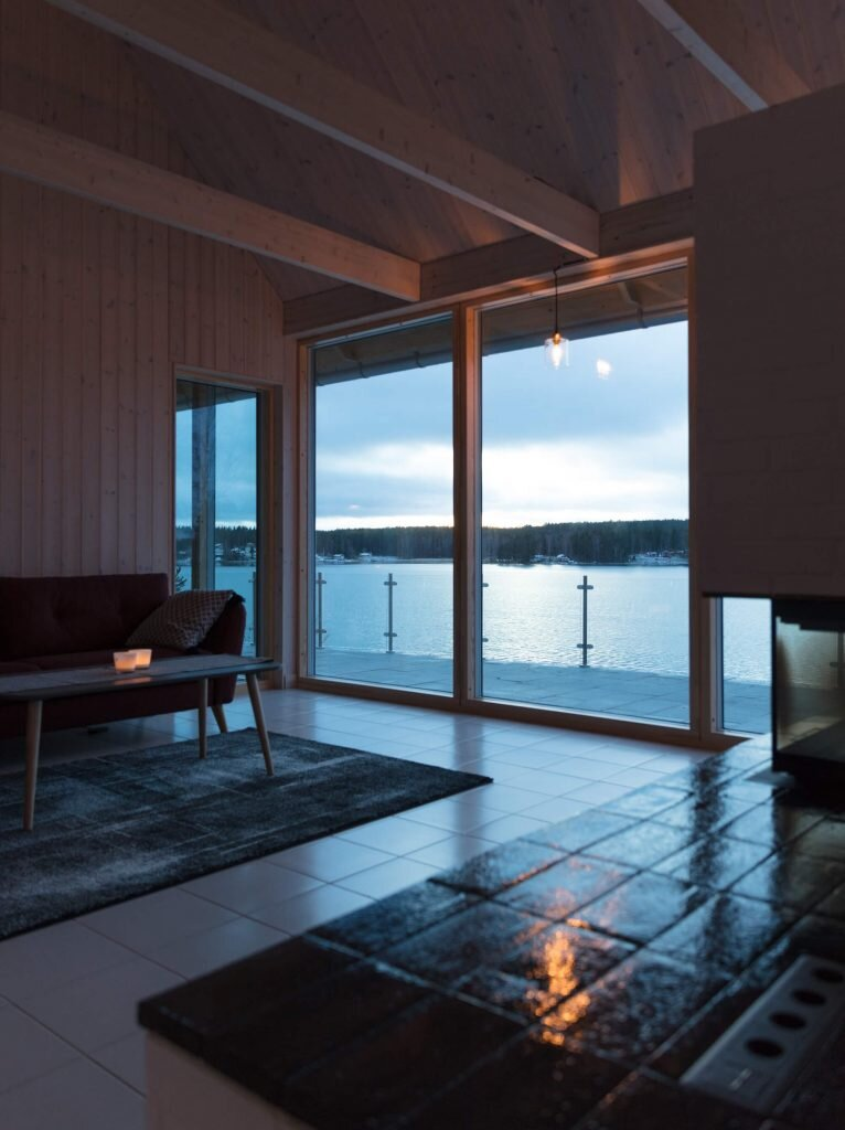 Tina Bergman Creates a Contemporary Cabin that\'s In Touch with its ...