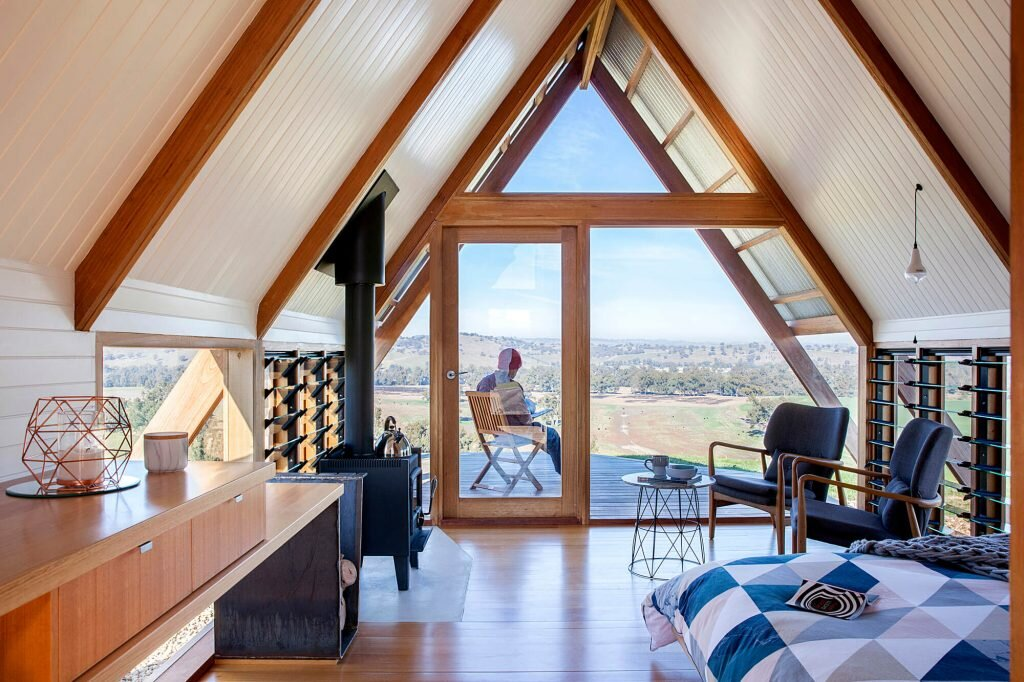 JR's-Hut-at-Kimo-Estate-Anthony-Hunt-Design-Luke-Stanley-Architects-Australia