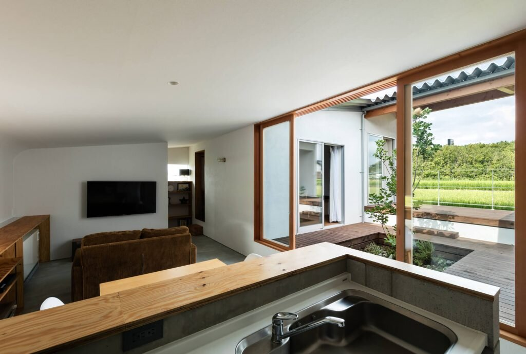 House-in-Mita-Horibe-Associates-Japan