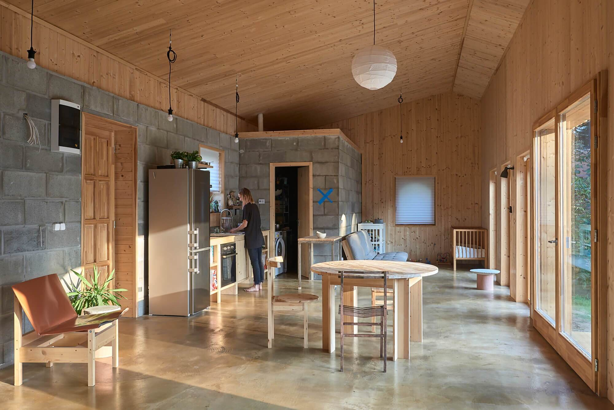House-for-a-Young-Family-Architecture-Uncomfortable-Workshop-Hungary-11
