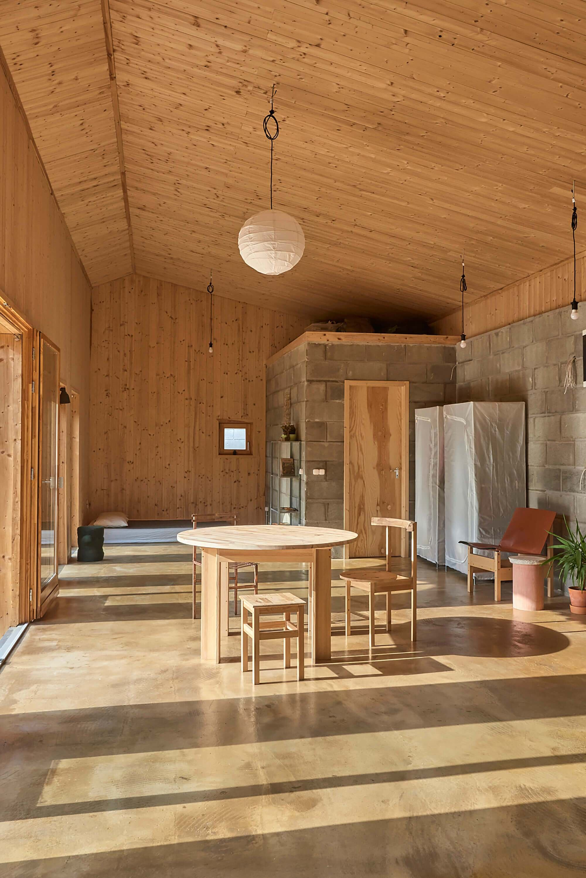 House-for-a-Young-Family-Architecture-Uncomfortable-Workshop-Hungary-14