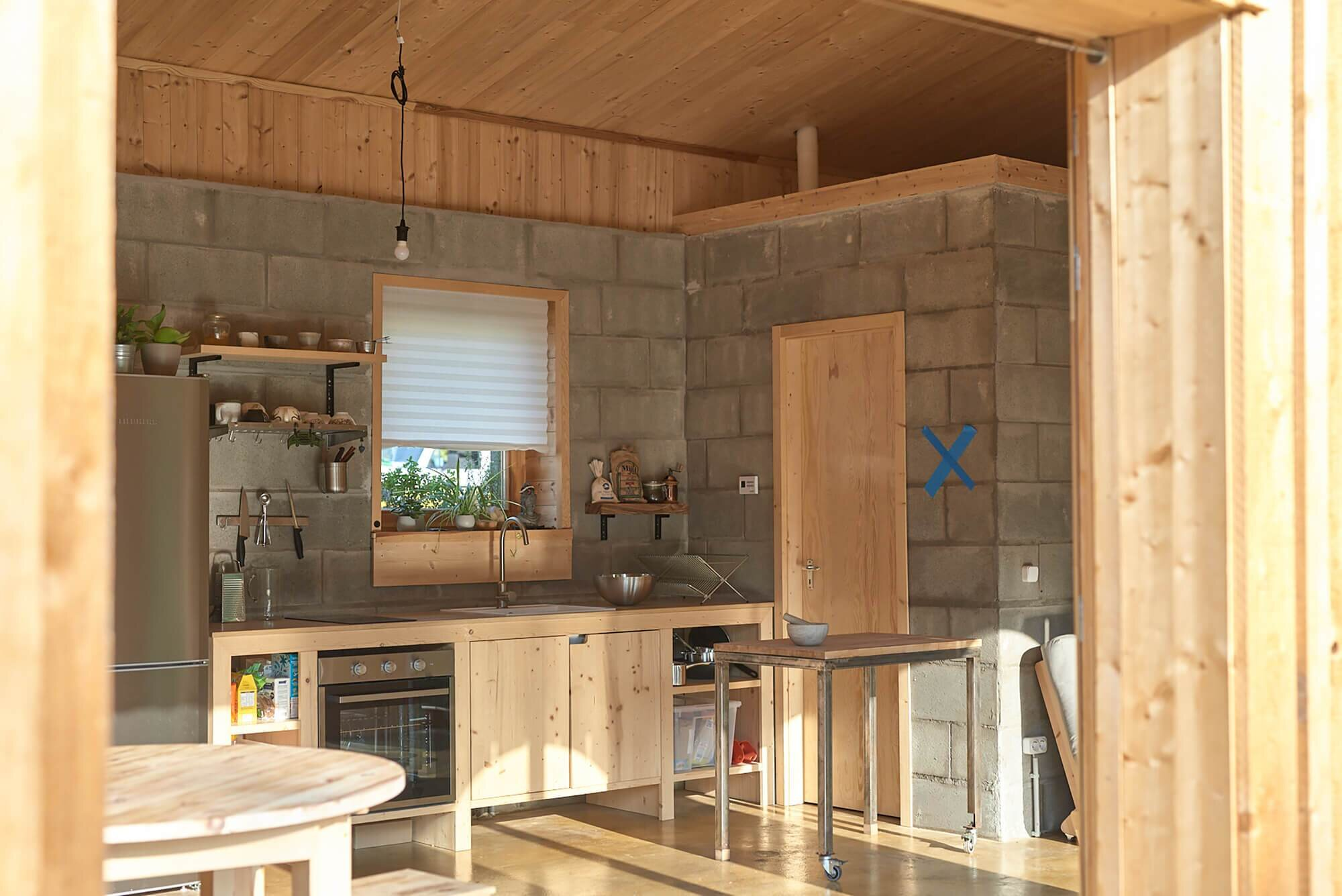House-for-a-Young-Family-Architecture-Uncomfortable-Workshop-Hungary-4