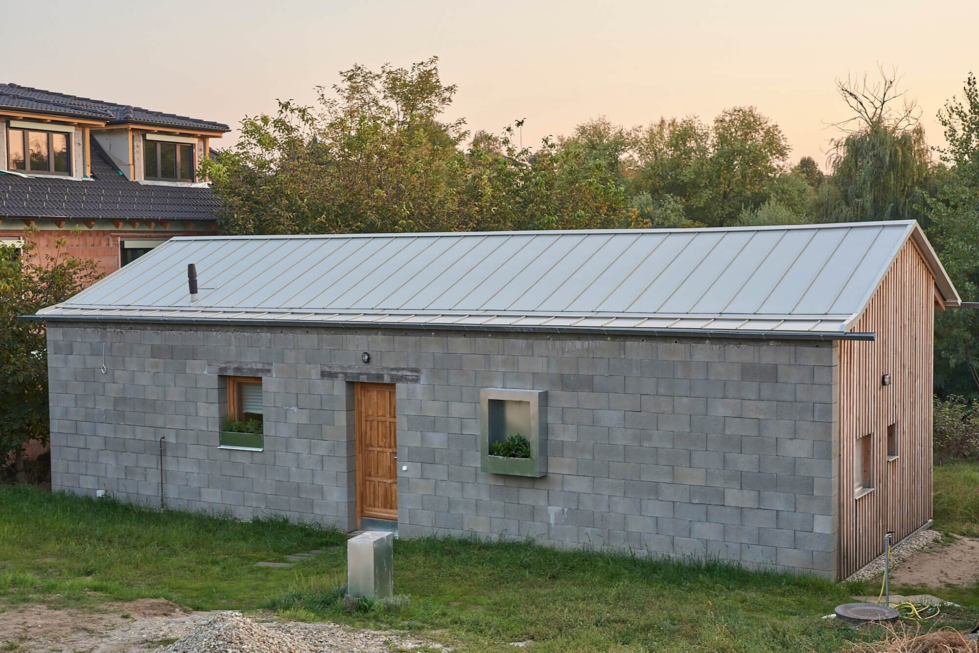 House-for-a-Young-Family-Architecture-Uncomfortable-Workshop-Hungary-5