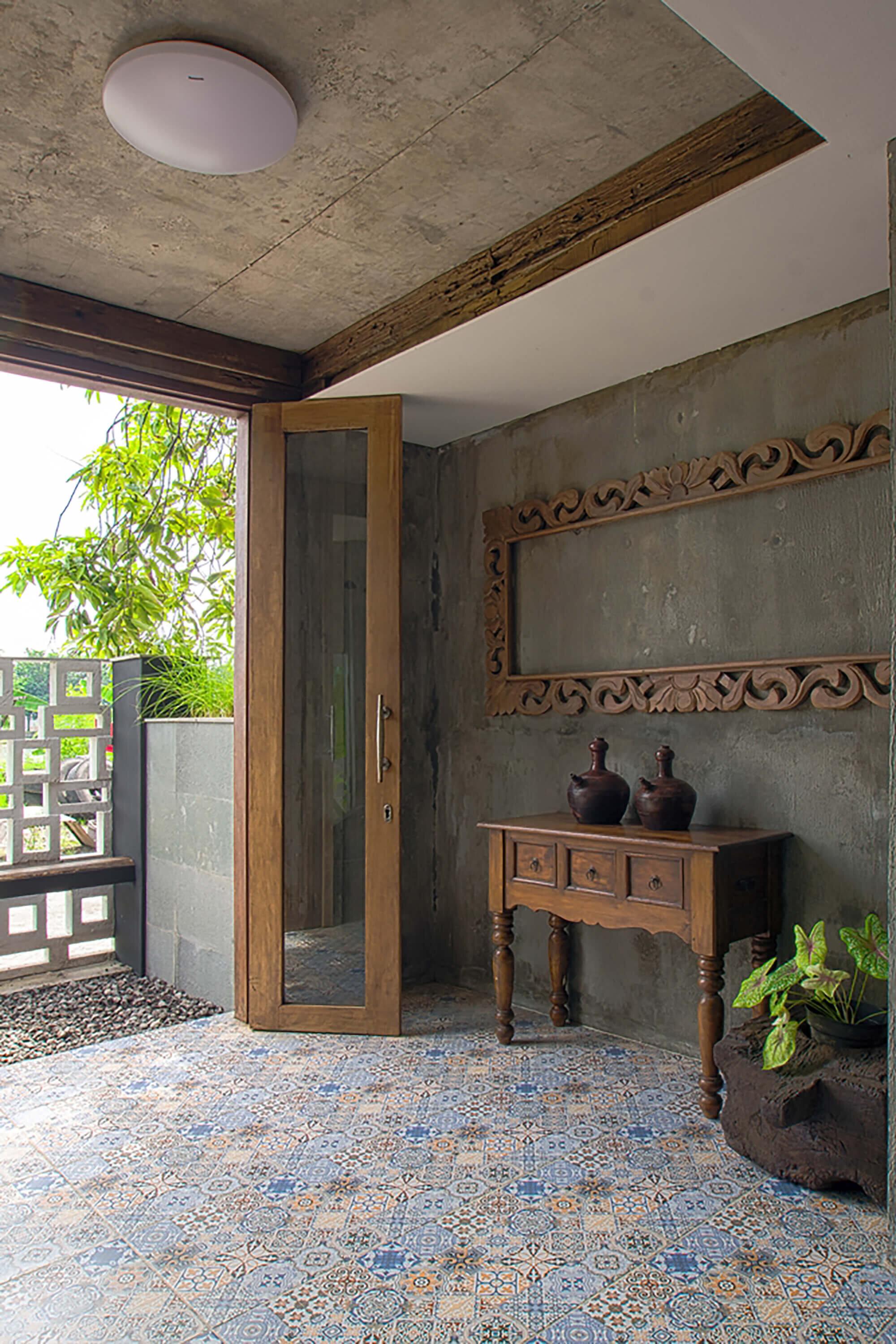 The-Obsolete-House-Omah-Amoh-Gayuh-Budi-Utomo-Indonesia-4